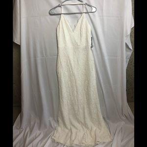 NWT Lulu's Alice Lace Backless Maxi Dress Size L